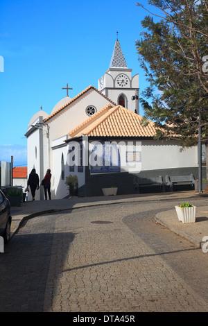 Jardim Do Mar, Madeira - Kirche und Dorfplatz Stockfoto