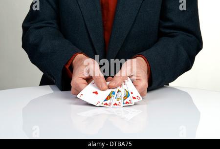 Eine royal Straight Flush Spielkarten Poker hand im Herzen - Stockfoto