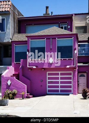 Hot pink San Francisco-Reihenhaus - Stockfoto