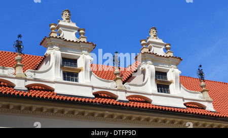 Detail der Dach in Schloss Pruhonice - Stockfoto