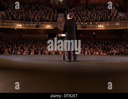 Darsteller auf der Bühne im theater - Stockfoto