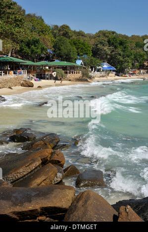 AO Thian Strand Küste auf der Insel Koh Samet, Thailand. - Stockfoto