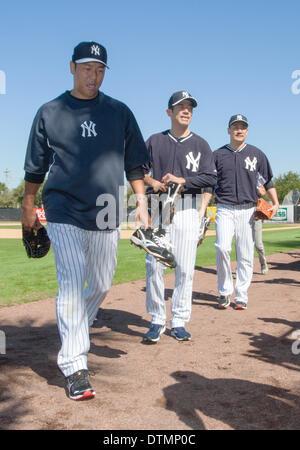 Tampa, Florida, USA. 17. Februar 2014. (L-R) Hiroki Kuroda, Yoshinori Tateyama, Masahiro Tanaka (Yankees) MLB: Japanische - Stockfoto