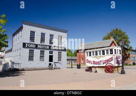 Michigan, Dearborn. Greenfield Village, National Historic Landmark erklärt. Ford Motor Company Gebäude. - Stockfoto