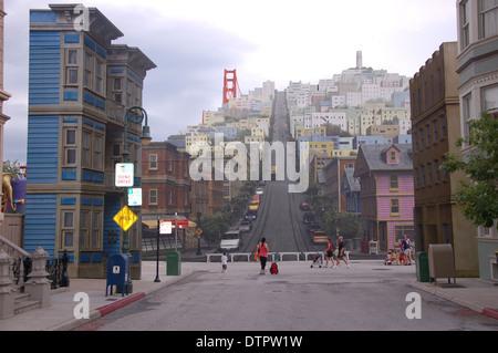 Bild einer Straße auf einer Wand in Disney's Hollywood Studios, Orlando, Florida, USA lackiert - Stockfoto