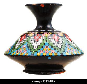 marokkanische Keramik-Keramik-Vase mit Mosaik Ornament isoliert auf weißem Hintergrund - Stockfoto