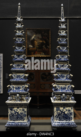delft blau wei e vase stockfoto bild 79333886 alamy. Black Bedroom Furniture Sets. Home Design Ideas