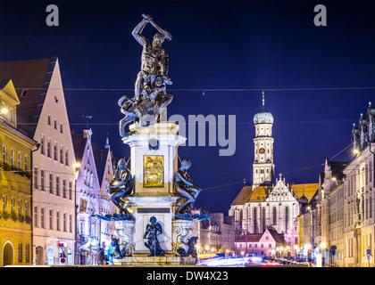 Augsburg, Deutschland Stadtbild auf der Maximilianstraße. - Stockfoto