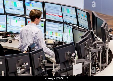 Börsenmakler auf dem Parkett der Frankfurter Börse, Deutsche Börse AG, Frankfurt Am Main, Hessen, Deutschland - Stockfoto