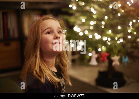 Porträt des jungen Mädchens zu Weihnachten - Stockfoto
