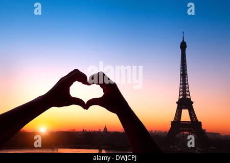 Flitterwochen in Paris - Stockfoto
