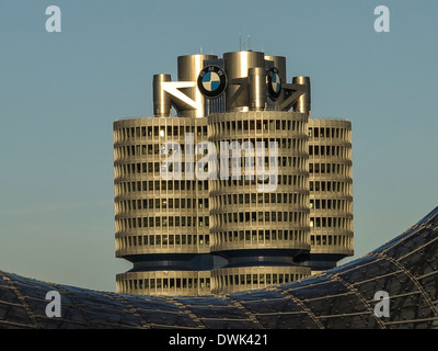 BMW Verwaltungsgebäude mit Olympischen Dachzelt in für Boden - Stockfoto