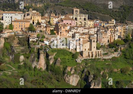 Stadtbild mit Dom, Júcar River gorge, Cuenca, UNESCO-Weltkulturerbe, Castilla La Mancha, Spanien - Stockfoto