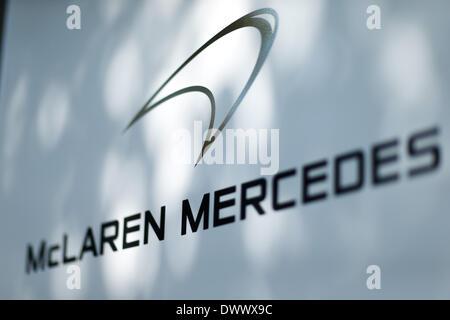 Melbourne, Victoria, Australien. 14. März 2014. 14. März 2014: Beschilderung der McLaren-Mercedes Team Garage bei - Stockfoto