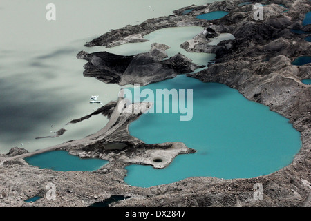 Thermokarst Seen auf Moränendamm des Sees Perova (Petrov See), der größte Gletschersee im Tien-Shan, Ak-Shiryak - Stockfoto