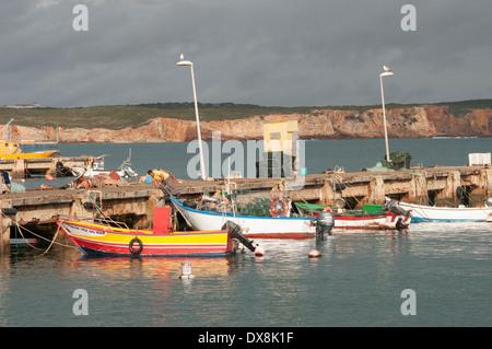 Angelboote/Fischerboote im Hafen von Sagres, Algarve portugal - Stockfoto