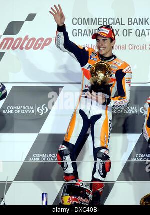 Doha, Katar. 23. März 2014. Sieger Honda MotoGP Spanier Marc Marquez feiert auf dem Podium bei der Preisverleihung - Stockfoto