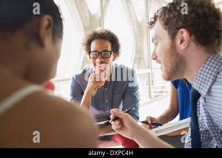 Kreative Business-Leute treffen - Stockfoto