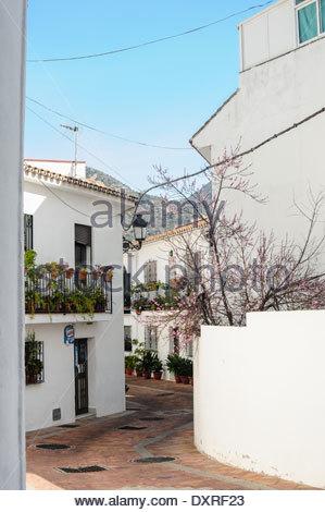 stra e von benalmadena pueblo andalusien spanien stockfoto bild 76518561 alamy. Black Bedroom Furniture Sets. Home Design Ideas
