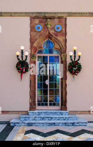Farbige Glas-Tür, Ca' d'Zan Mansion, Ringling Museum, Sarasota - Stockfoto