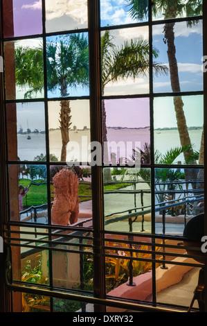 Farbige Glas-Tür, Ca' d'Zan Mansion, Ringling Museum, Sarasota, Florida - Stockfoto
