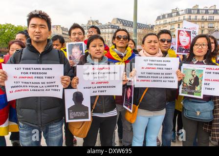 Die tibetischen, taiwanesischen Volksgemeinschaften Frankreichs und Freunde riefen französische Bürger dazu auf, während des Besuchs des chinesischen Präsidenten in Paris zu mobilisieren, französisches Protestplakat, internationale Einwanderer, Flüchtlinge, Männer