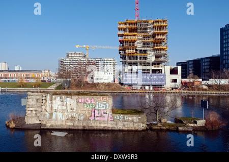 Baustelle der Wohnturm am Fluss Spree, Berlin Deutschland - Stockfoto