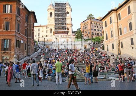 Sommer Nachtansicht der spanischen Treppe in Rom Italien - Stockfoto