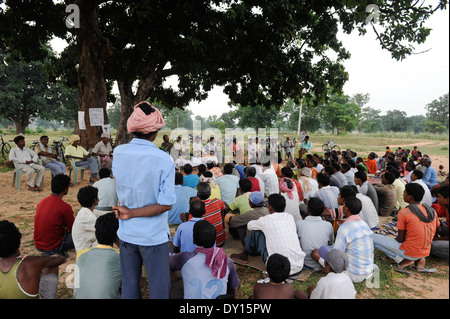 Indien Jharkhand, Chaibasa, NGO Birsa organisieren Adivasi kämpfen für ihre Landrechte treffen im Dorf Debrbir - Stockfoto