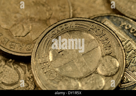 Alte 1 Münzen Ein Pfund Sterling Auf Die Weiße Aussparung