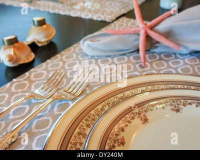 Amazing ... Nautischen Themen Stücke Auf Eleganten Speisesaal Tisch, FL, USA    Stockfoto