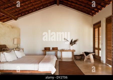Holzbalken Schlafzimmer Strandhaus aus Goa, Indien - Stockfoto