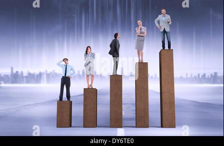 Zusammengesetztes Bild von Geschäftsleuten stehen - Stockfoto
