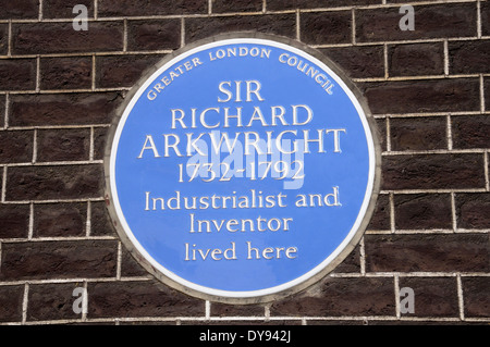 London, England, Vereinigtes Königreich. Blaue Plakette: Haus von Sir Richard Arkwright (1732-1792) in 8 Adam Street, - Stockfoto