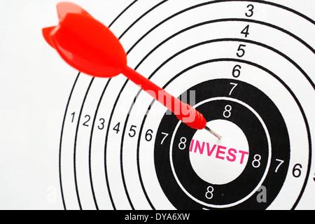 Text auf Ziel zu investieren - Stockfoto