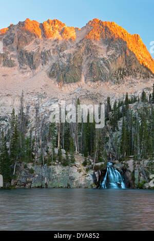 Sawtooth Sawtooth Bergkette Reinigungsstab Reinigungsstab Sägezahn Wildnis ID Idaho USA Amerika USA Berg mount - Stockfoto