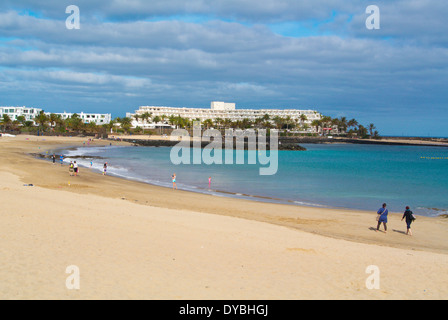 Playa de Las Cucharas Strand, Costa Teguise, Lanzarote, Kanarische Inseln, Spanien, Europa - Stockfoto