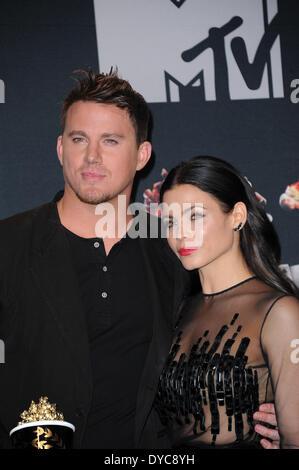 Los Angeles, Kalifornien, USA. 13. April 2014. US-Schauspieler Channing Tatum (L) und Frau US-Schauspielerin Jenna - Stockfoto