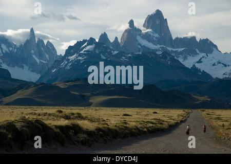 Patagonien auf einem Fahrrad. Eingabe der Parque Nacional Los Glaciares - Stockfoto