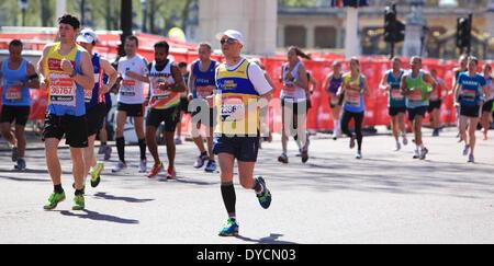 Der London-Marathon 2014 in der Mall - Stockfoto
