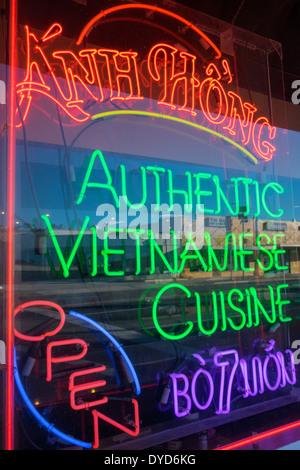 Orlando Florida East Colonial Drive Little Saigon Anh Hong vietnamesische Küche Restaurant Leuchtreklame - Stockfoto