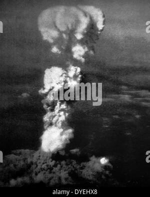 Weltkrieg - Atombombe, Hiroshima im August 1945. Die atomaren Bombardierungen der Städte Hiroshima und Nagasaki - Stockfoto