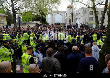"""London, UK. 18. April 2014. Muslime halten """"Kundgebung gegen britische Kreuzzug"""" in London chaotischen Szenen in - Stockfoto"""