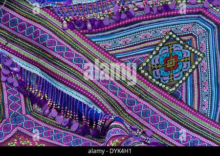 ca3a460218b84 Flower Hmong Stickerei zum Verkauf auf Markt