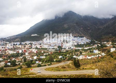 Marokko, Chefchaouen Gesamtansicht der Stadt - Stockfoto
