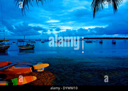 Sonnenaufgang in Garapua Strand. Tinhare Insel, Bahia, Brasilien - Stockfoto