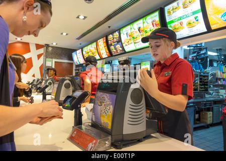 Sydney Australien NSW neue South Wales CBD zentralen Geschäft Bezirk Circular Quay McDonald's Restaurant Fastfood - Stockfoto