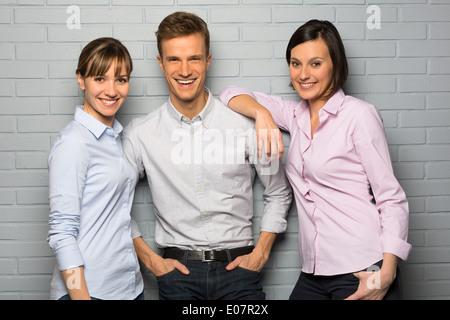 Frauen-Mann-Business-Team-studio - Stockfoto