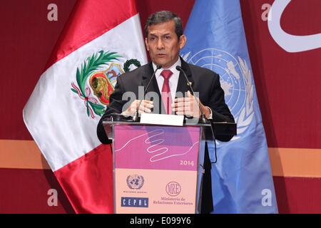 Lima, Peru. 6. Mai 2014. Peruanische Präsident Ollanta Humala, hält eine Rede bei der Einweihung der 25. Sitzung - Stockfoto