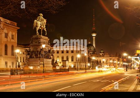 Equestrian Statue Friedrichs II., Humboldt-Universität, Berliner Dom, Fernsehturm, Zeughaus, Unter Den Linden, Mitte, - Stockfoto